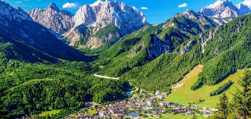 Mountain view.jpg (1)